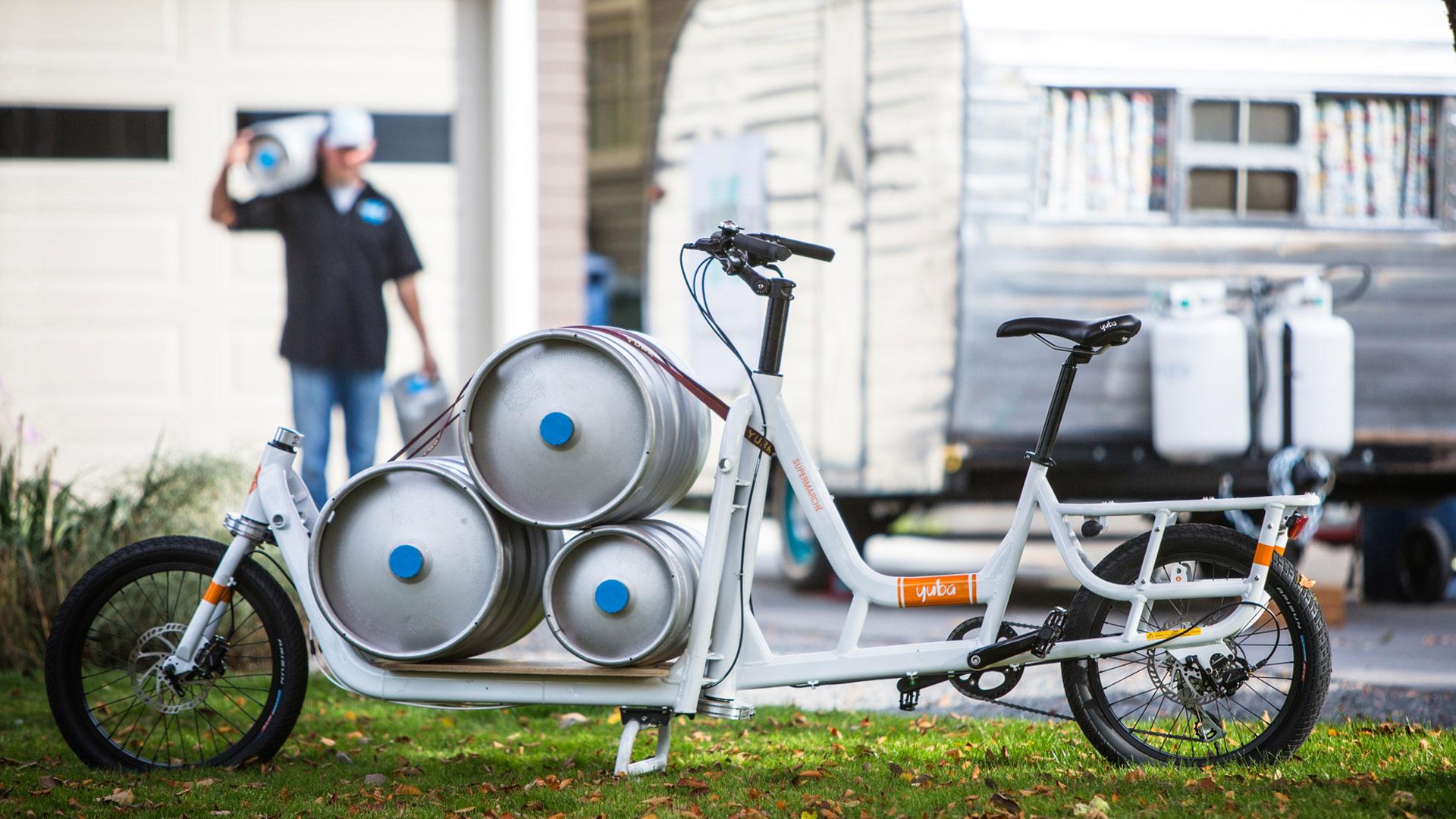 Carry kegs by cargo bike