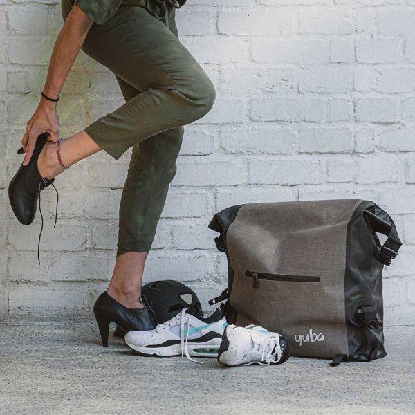 baguette bag lifestyle 960x960