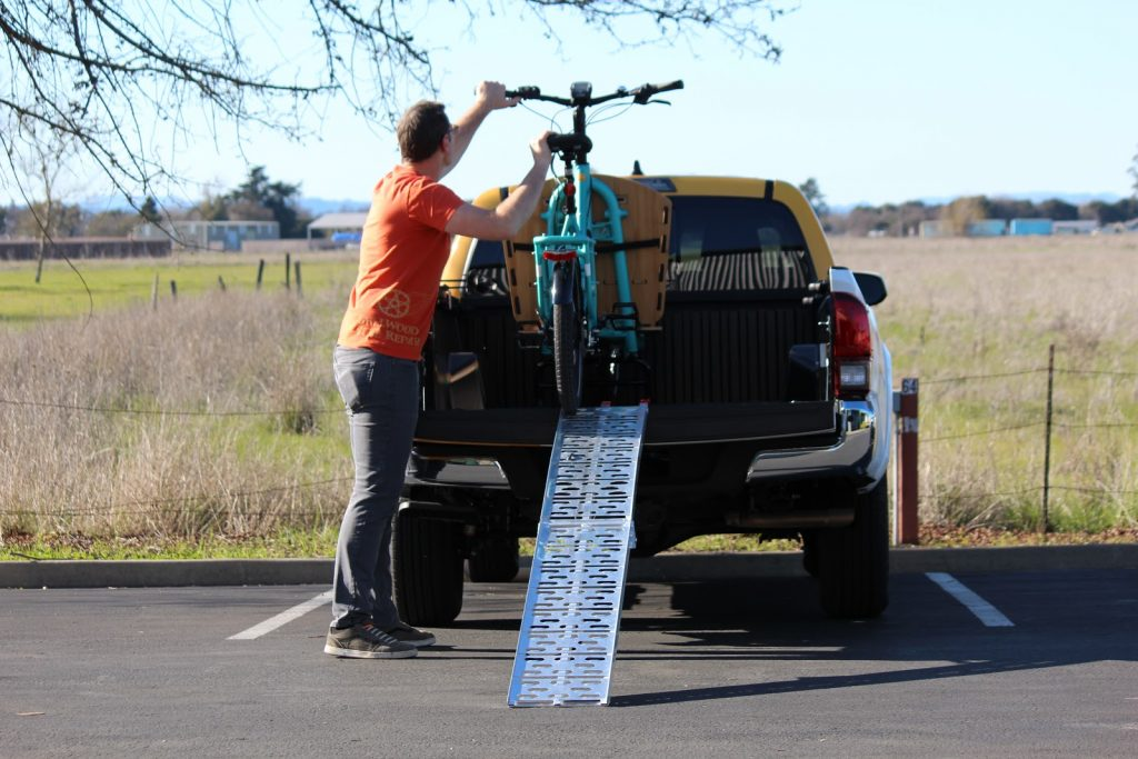 Yuba-Cargo-Bikes-Pickup-Truck-Bed-Motorcycle-Ramp-1.